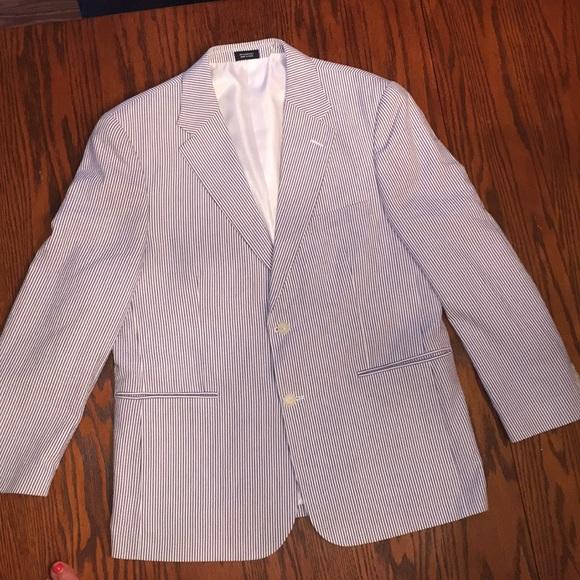 ee1e86440a9a Men's seersucker jacket by Saddlebred. M_5b1b11245c445257e8700b9f